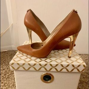 Michael Kors Caramel and Gold Stiletto size 9.5